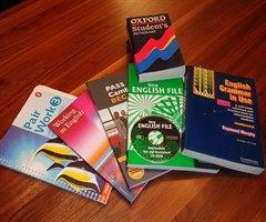 school-books-99476_640_240x200