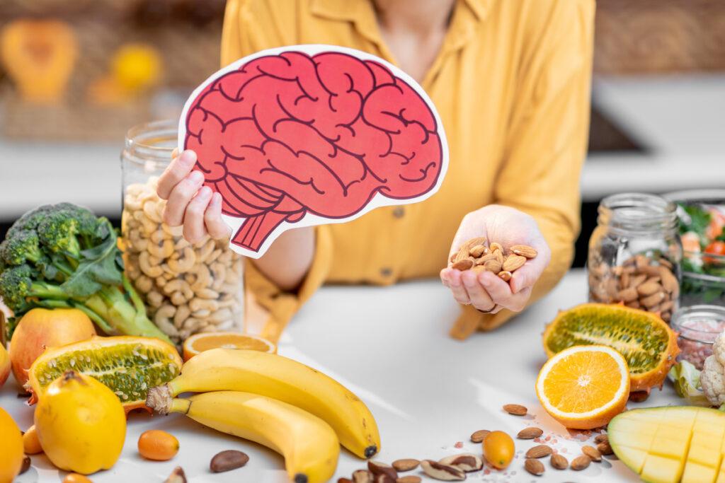 shutterstock 1668308980 2 1024x683 - Народные средства для улучшения мозговой деятельности