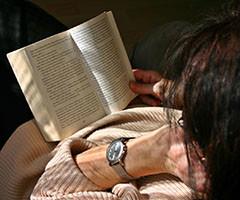 При чтении прямой речи в мозгу активируются участки слуховой коры